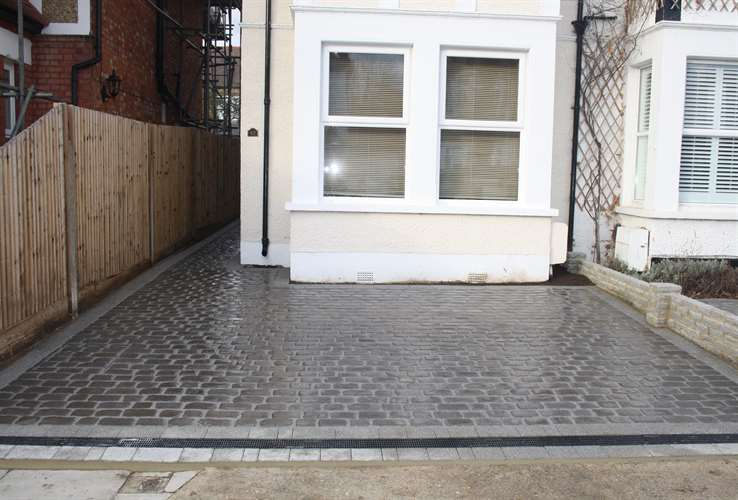 Cobbled Paved Driveway Installation By Greenscape Gardens